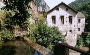 Retro della cartiera Amatruda che produce la carta di Amalfi